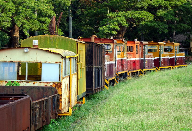 老窄片柴油火车 图库摄影