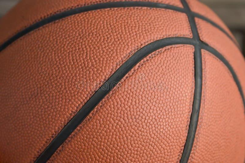 老篮球 库存图片