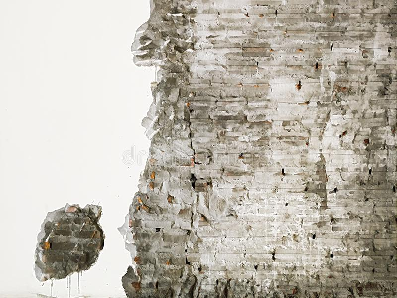 老红砖墙壁表面的织地不很细背景 在墙壁前面的破旧的门面损伤膏药 r 库存例证