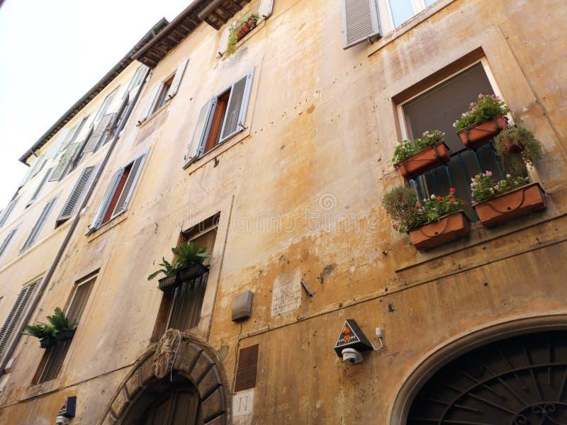 老罗马大厦门面  免版税库存图片