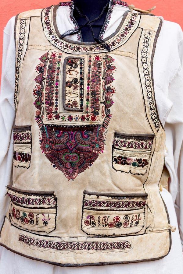 老罗马尼亚传统服装 免版税库存图片