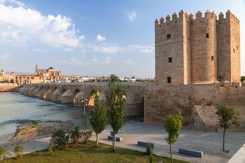 老罗马桥梁看法有卡拉奥拉塔的,西班牙 免版税库存图片