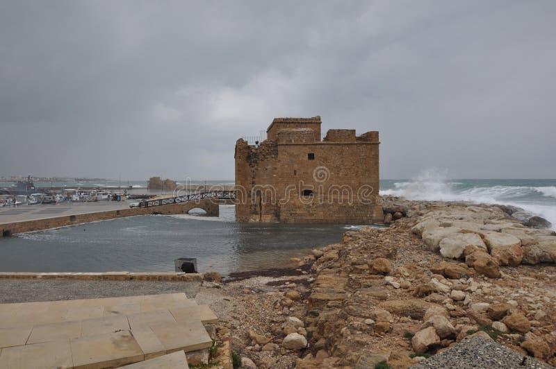 老美丽的口岸, Pafos城堡在塞浦路斯 免版税库存照片
