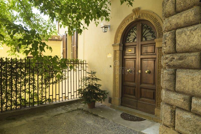 老美丽的城市在托斯卡纳,意大利 图库摄影