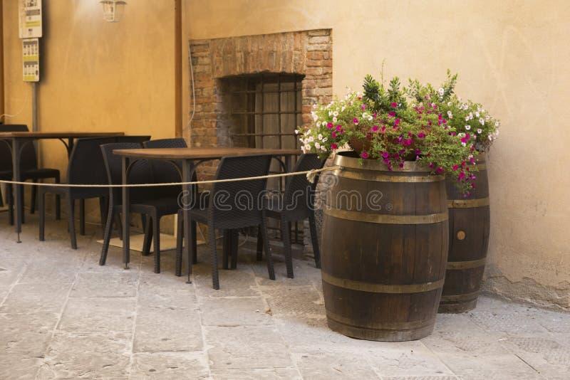 老美丽的城市在托斯卡纳,蒙特普齐亚诺,意大利 库存照片