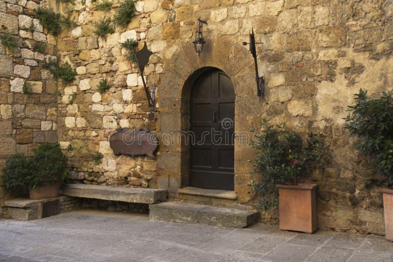 老美丽的城市在托斯卡纳,蒙特普齐亚诺,意大利 库存图片