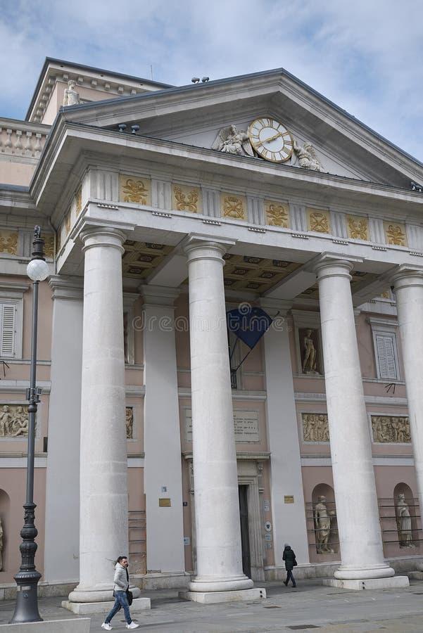 老联交所大厦在的里雅斯特 免版税库存图片