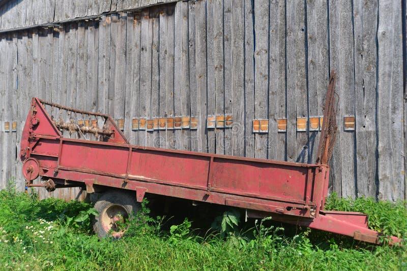老肥料分布器 免版税库存照片