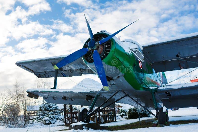 老航空器在冬天 图库摄影