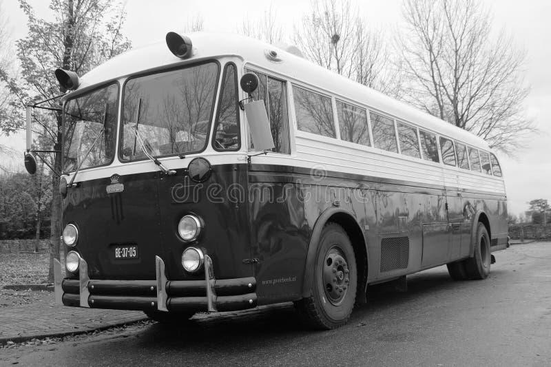 老葡萄酒冠教练公共汽车- 1952加冠Supercoach 免版税库存照片
