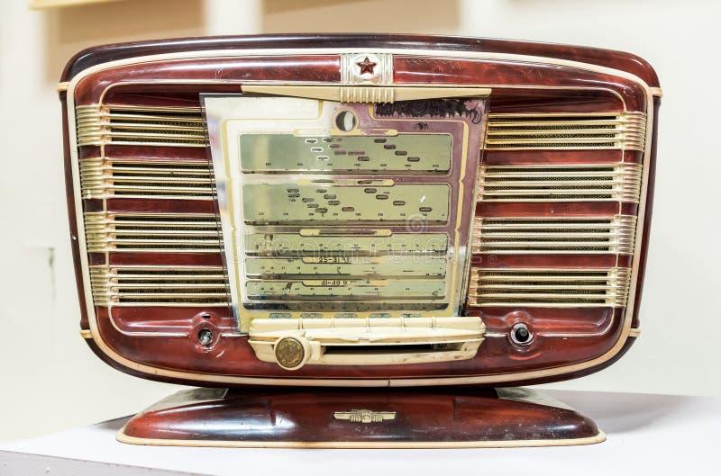 老葡萄酒古董俄国无线电接收机 免版税图库摄影