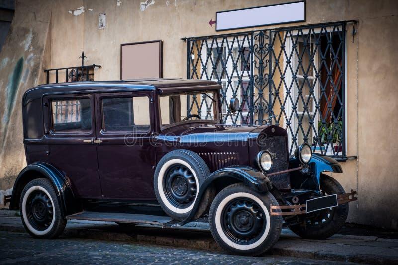 老葡萄酒汽车 库存照片