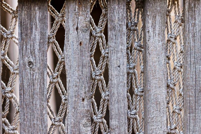 老葡萄酒篱芭的纹理有透雕细工编织的 免版税库存照片