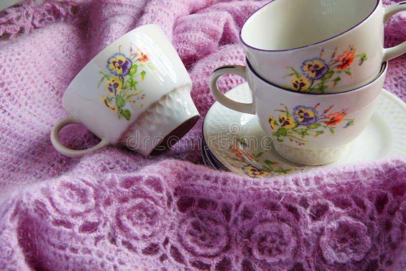 老葡萄酒茶杯,破旧的shick样式 免版税库存照片