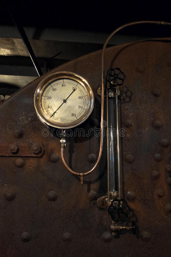 老蒸汽小船测量仪 图库摄影