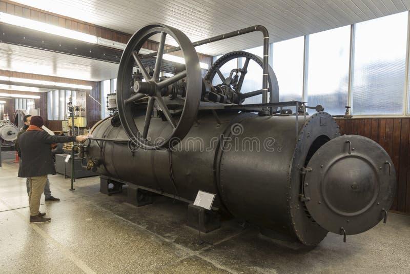 老蒸汽引擎在尼古拉・特斯拉技术博物馆在萨格勒布,克罗地亚 图库摄影