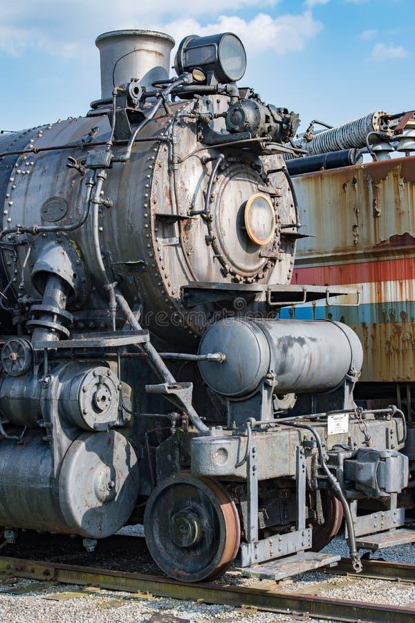 老蒸汽引擎铁火车细节关闭 免版税库存图片