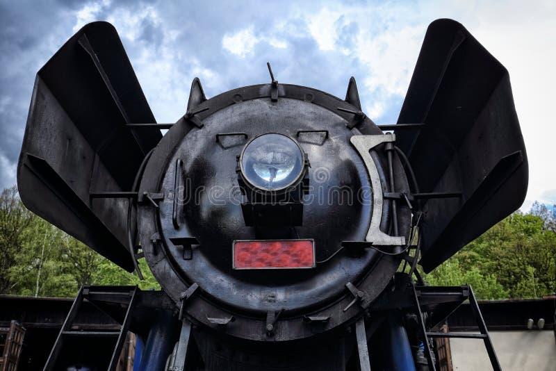 老蒸汽引擎锅炉的前面部分 图库摄影