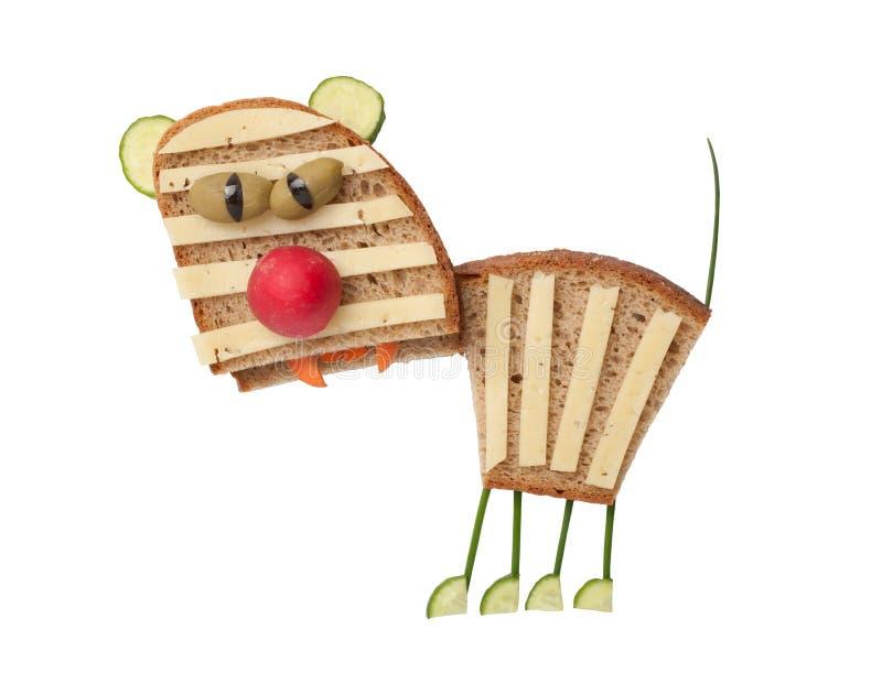 老虎由乳酪和面包制成 免版税库存照片