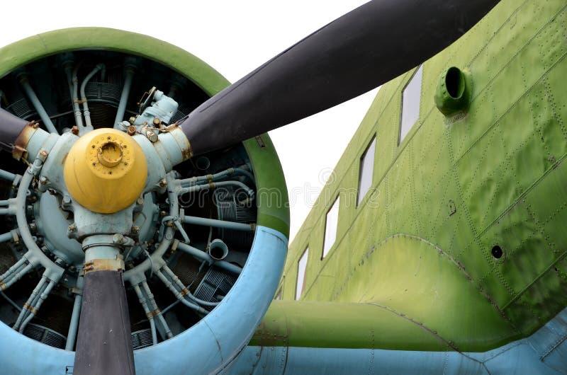 老螺旋桨推进式飞机 库存照片