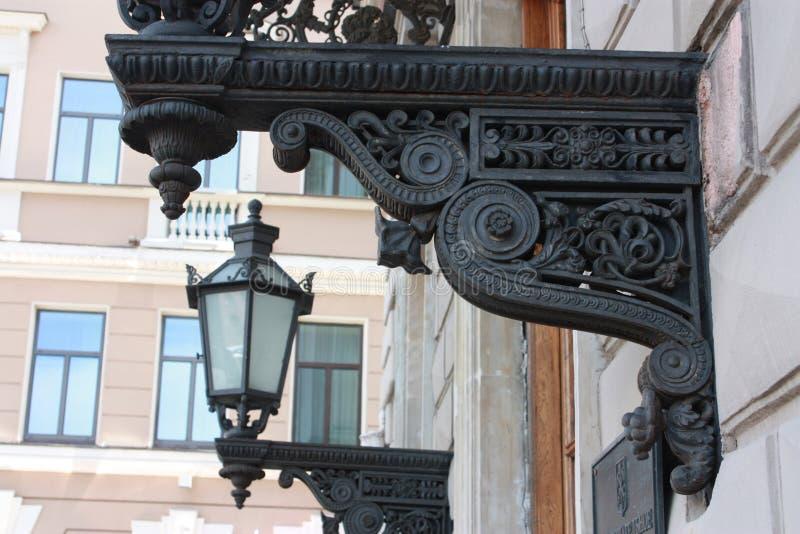 老街灯装饰的片段 库存图片