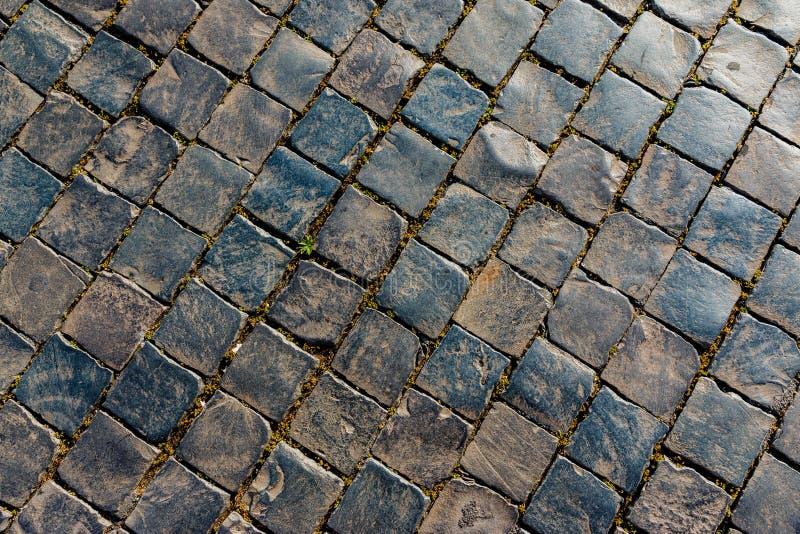 老街道向样式扔石头 免版税库存照片