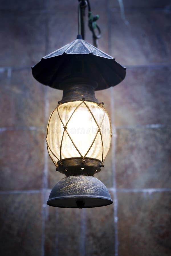 老被塑造的灯笼 免版税图库摄影