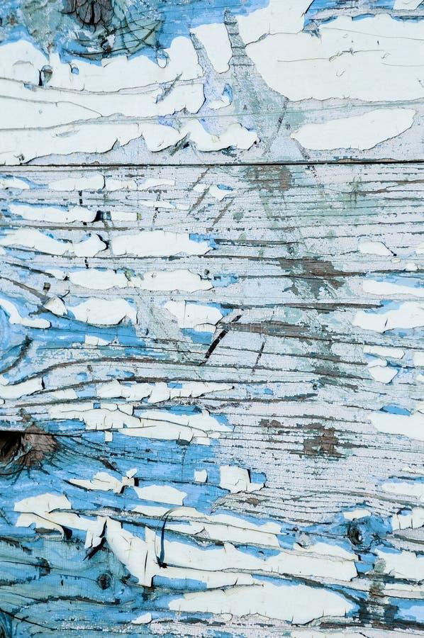 老被抓的木板条纹理与破裂和削皮的 库存图片
