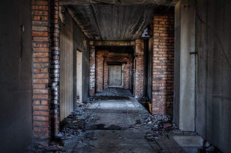 老被放弃的大厦 免版税库存照片