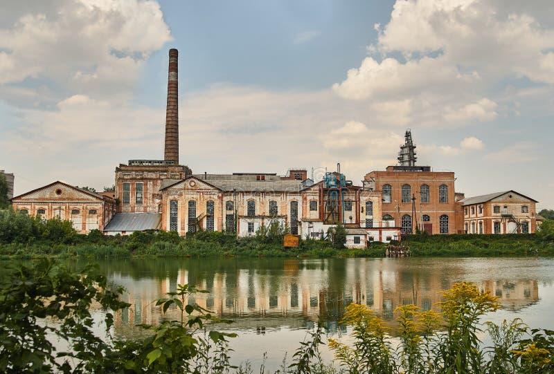 老被放弃的工厂 库存照片