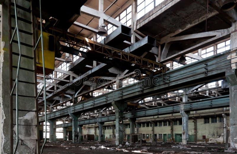 老被放弃的工厂 免版税库存照片