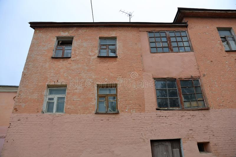 老被放弃的房子 免版税库存图片
