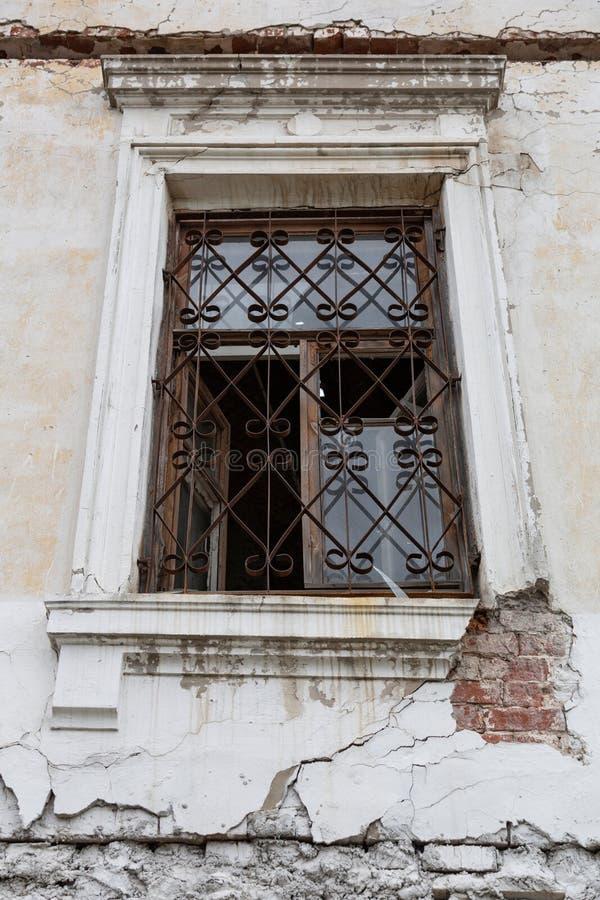 老被放弃的房子 免版税库存照片