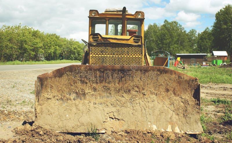 Download 老被放弃的挖掘机 库存图片. 图片 包括有 金属, 尘土, 挖掘, 威吓, 编译, 机械, 放弃了, 生态 - 72359325