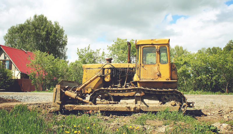 Download 老被放弃的挖掘机 库存照片. 图片 包括有 开掘, 生锈, 挖掘, 设备, 户外, 处理, 构建, 威吓 - 72360026