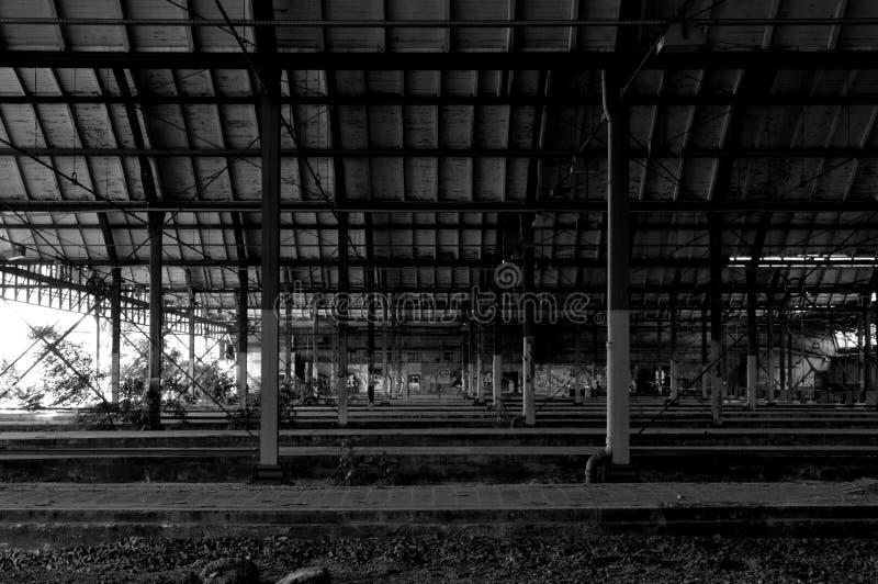 老被放弃的火车站 库存图片