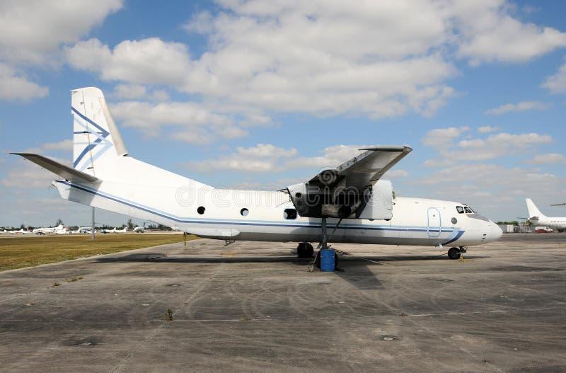 老被放弃的飞机 免版税图库摄影
