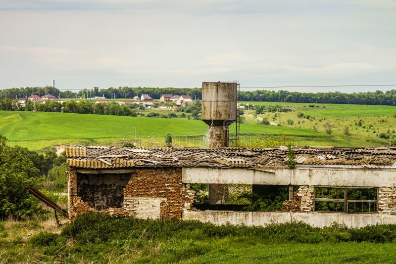 老被毁坏的农业大厦 免版税库存图片