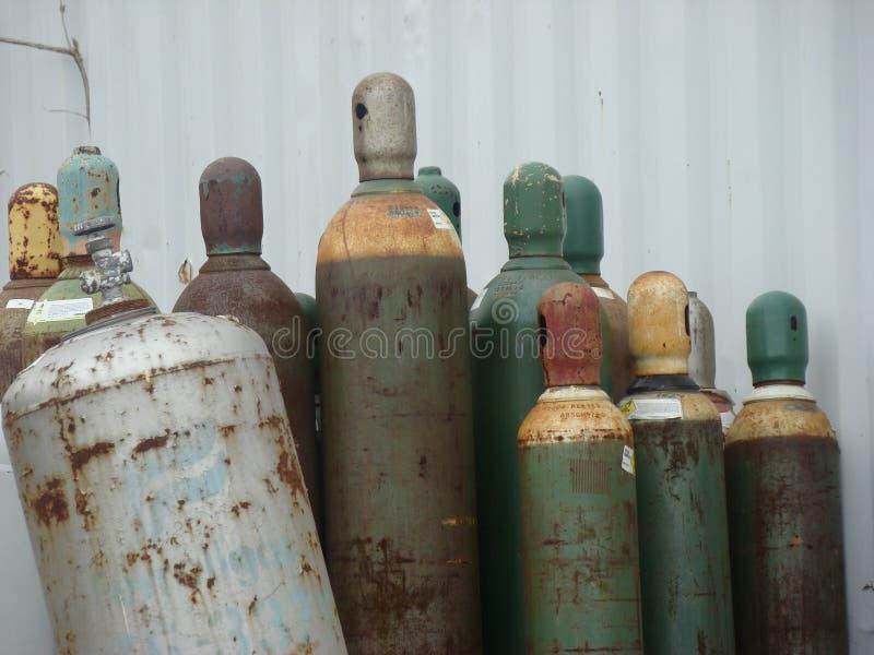 老被装瓶的气体圆筒 免版税库存图片