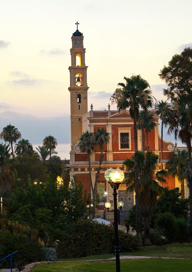 老贾法角全景日落平衡7月的圣彼得教会的 免版税库存照片