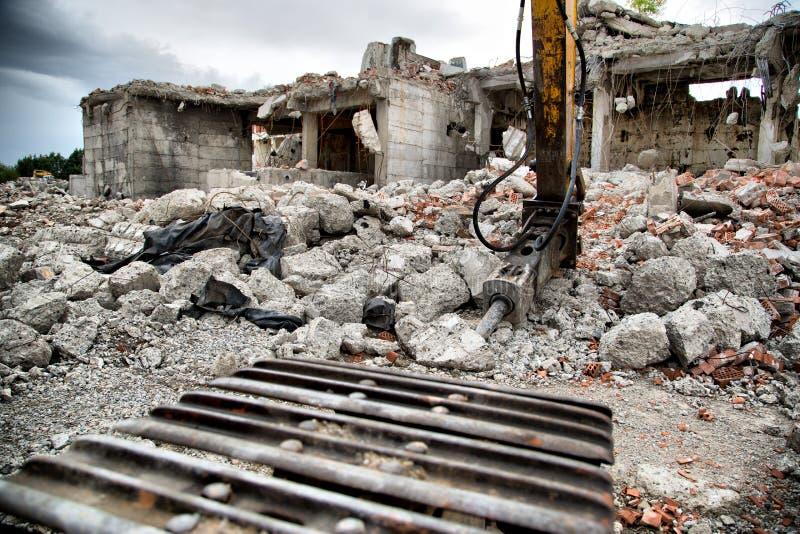 老遗弃大厦的爆破与jackhamm的 库存图片
