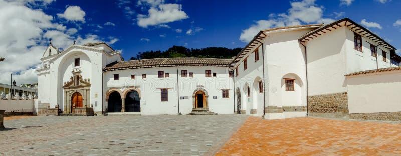老部分的正面图历史教会圣地亚哥 库存照片