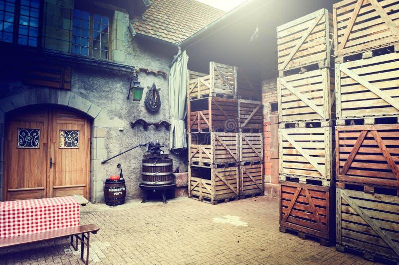 老酿酒厂后院 库存照片