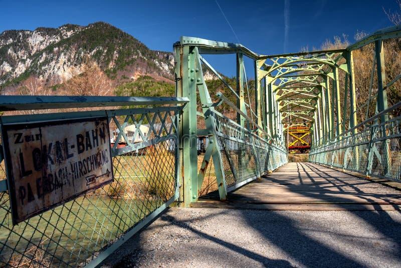 老铁河上的桥施瓦察河在赖歇瑙 免版税库存照片