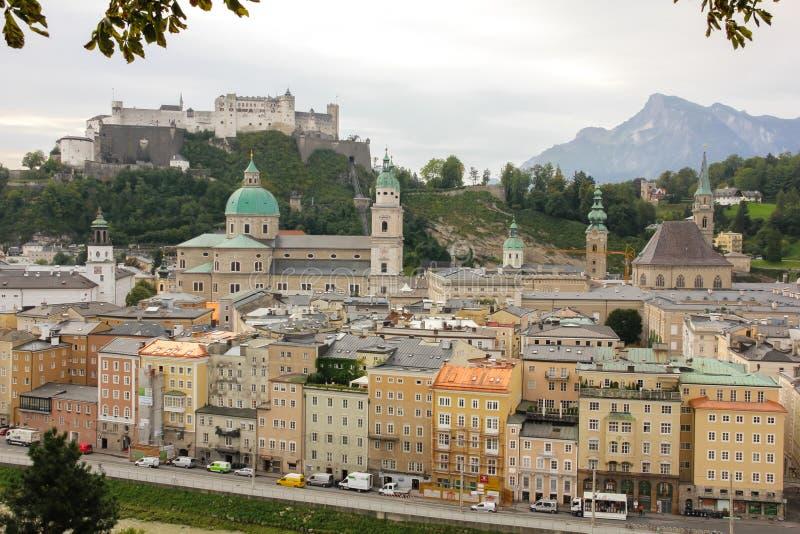 老镇和堡垒 萨尔茨堡 奥地利 免版税库存图片
