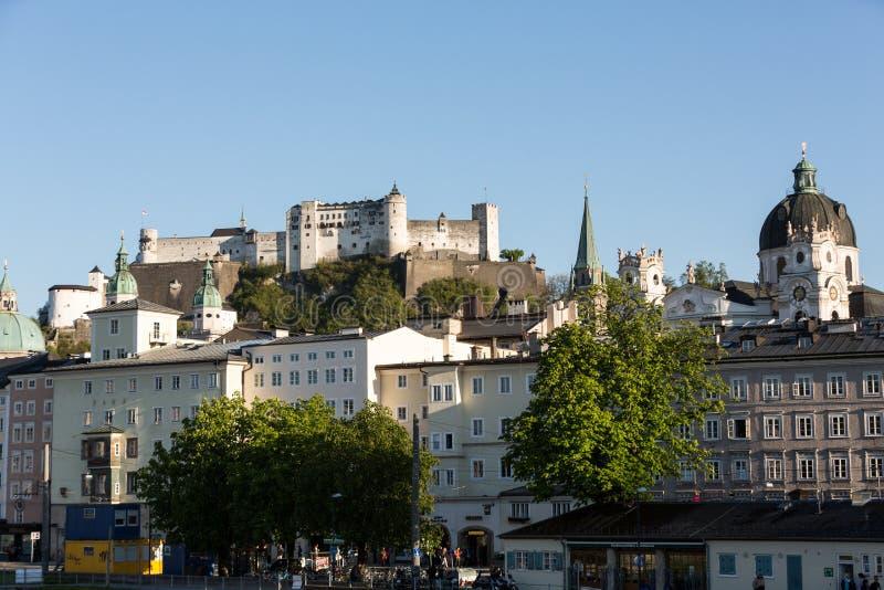 老镇和堡垒Hohensalzburg,美丽的中世纪城堡在萨尔茨堡 库存照片