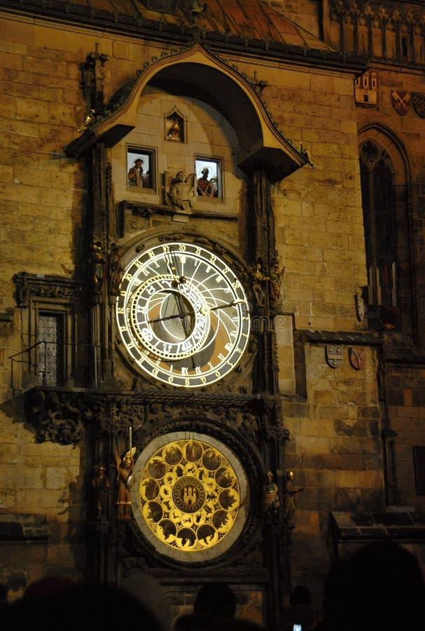 老镇天文学时钟在晚上 免版税图库摄影