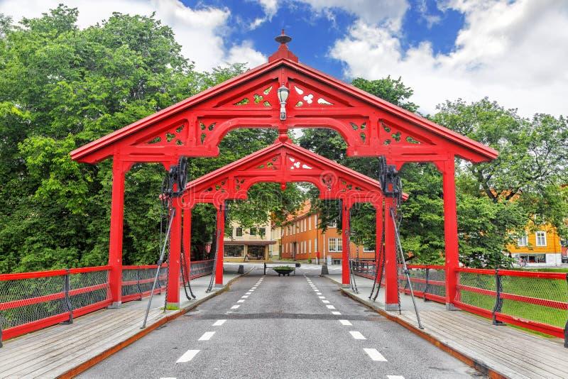 老镇桥梁的看法在特隆赫姆,挪威 免版税库存照片