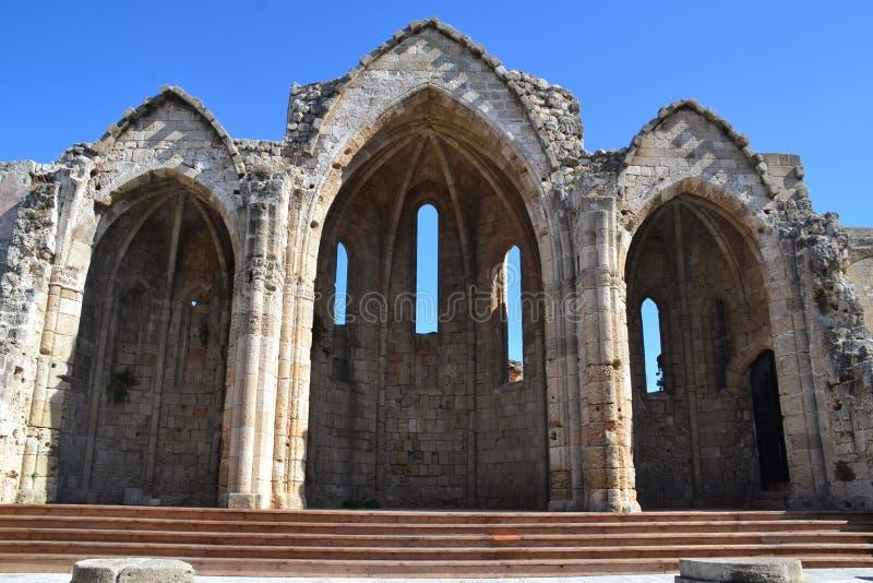 老镇的中世纪废墟在希腊海岛罗得岛上的 免版税库存图片