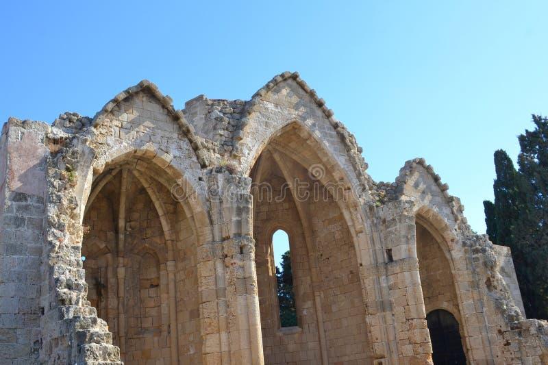 老镇的中世纪废墟在希腊海岛罗得岛上的 免版税图库摄影
